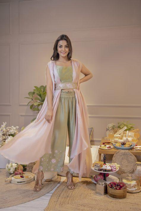 Triangle Belt Cape Dress