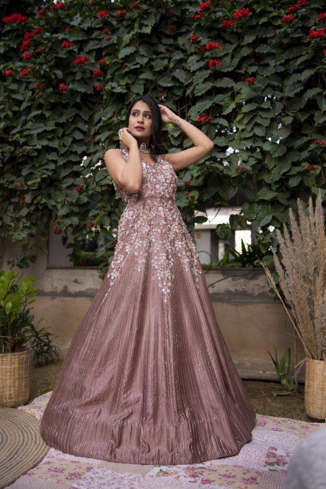 challa_work_gown
